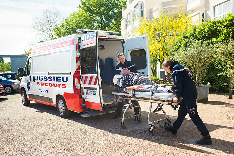 Transport en ambulance - image 1